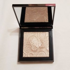 Burberry Highlighter Nude Gold